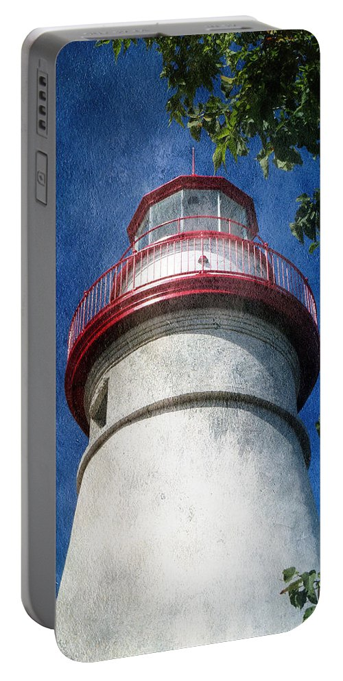 Lighthouse Portable Battery Charger featuring the photograph Marblehead Lighthouse 2 by Shawna Rowe