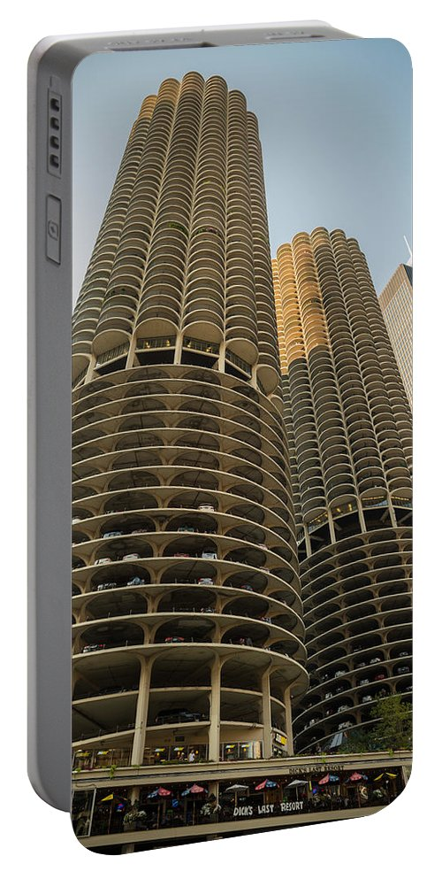 Marina Portable Battery Charger featuring the photograph Marina City Chicago by Steve Gadomski