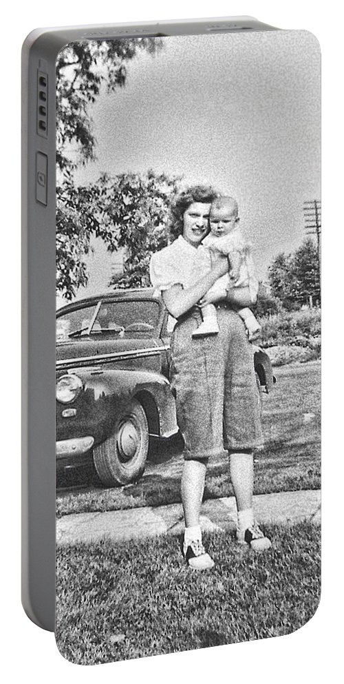 Mom Portable Battery Charger featuring the photograph Mom Child And Car by Cathy Anderson