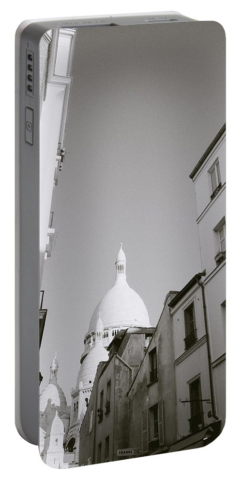 Paris Portable Battery Charger featuring the photograph Montmartre by Shaun Higson