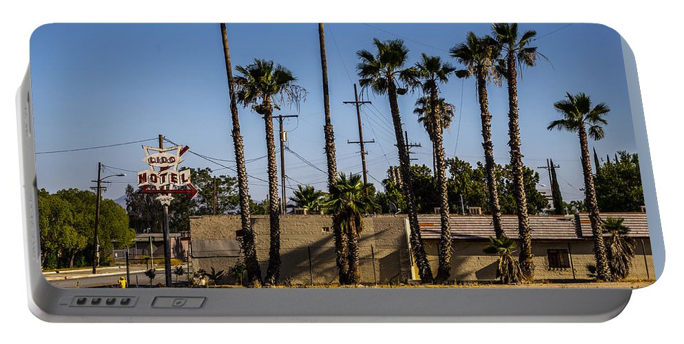 Route 66 Portable Battery Charger featuring the photograph Motel by Angus Hooper Iii