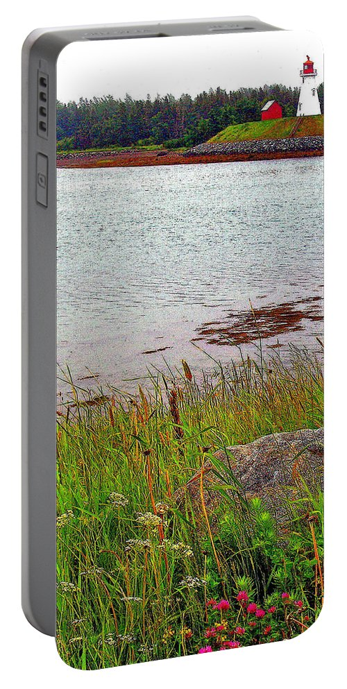 Mulholland Point Lighthouse On Campobello Island Portable Battery Charger featuring the photograph Mulholland Point Lighthouse On Campobello Island-nb by Ruth Hager