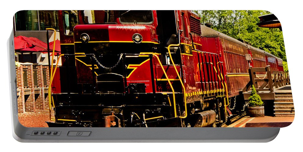 Train Portable Battery Charger featuring the photograph New Hope Ivyland Railroad With Cars by Tom Gari Gallery-Three-Photography