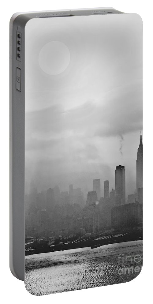 Ny Skyline Sunrise Portable Battery Charger featuring the photograph Nyc Clearing Fog At Sunrise by Regina Geoghan