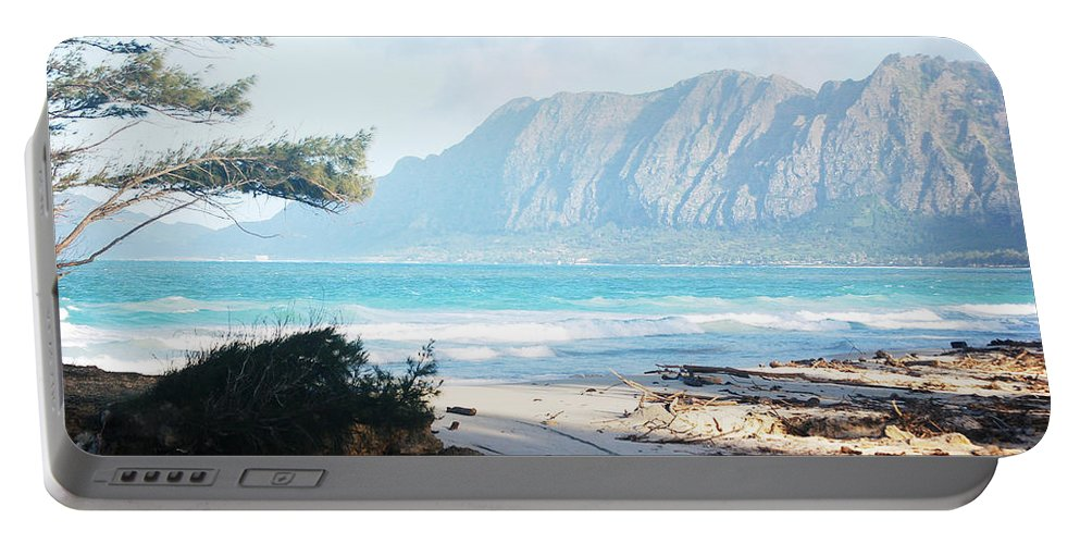 Ocean Portable Battery Charger featuring the photograph Oahu Sight by Flamingo Graphix John Ellis