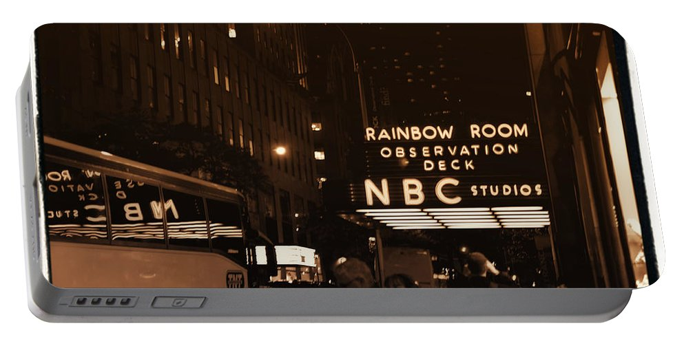 New York Portable Battery Charger featuring the photograph Old New York by Donna Blackhall