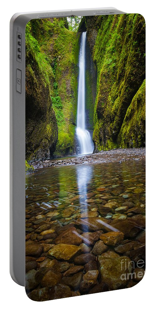 America Portable Battery Charger featuring the photograph Oneonta Falls by Inge Johnsson