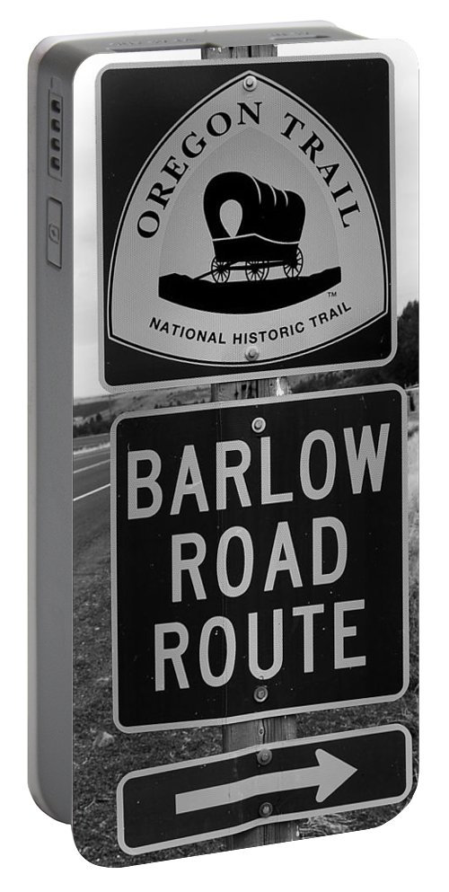 Oregon Trail Sign Portable Battery Charger featuring the photograph Barlow Road Cutoff Sign by David Lee Thompson