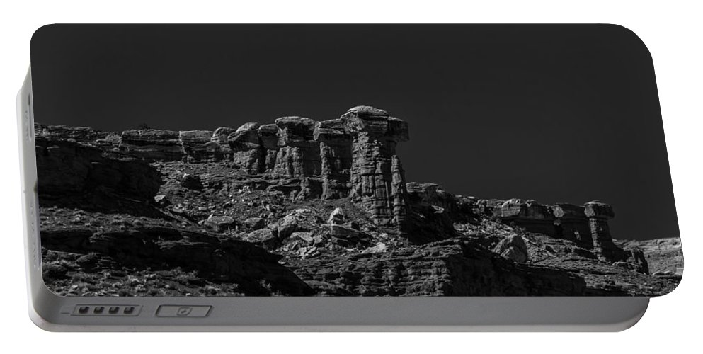 Moab Portable Battery Charger featuring the photograph Overlook by Angus Hooper Iii