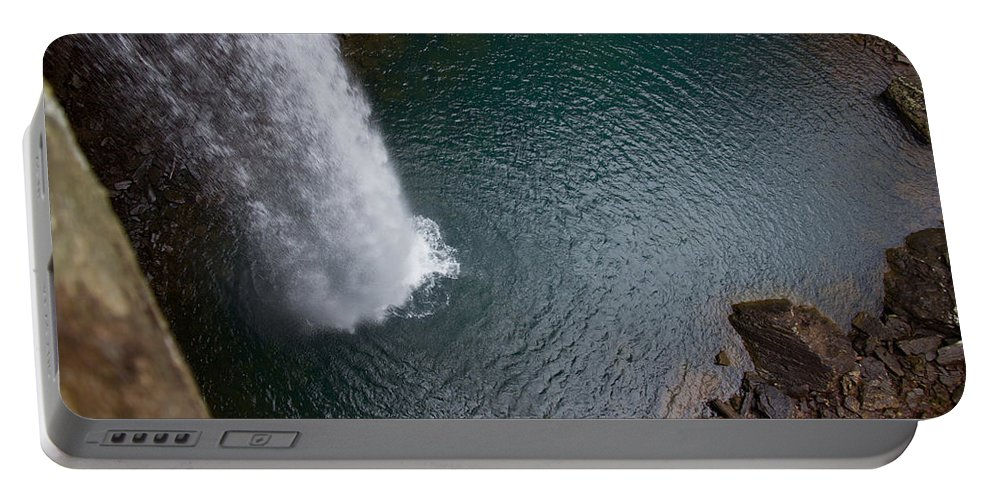 Waterfall Portable Battery Charger featuring the photograph Ozone Falls by Douglas Stucky