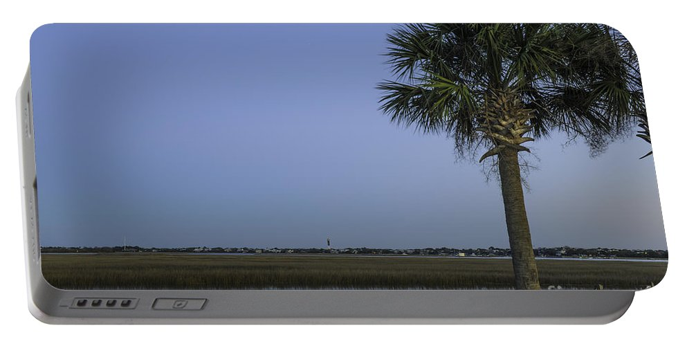 Sullivan's Island Lighthouse Portable Battery Charger featuring the photograph Palmetto View Of Lighthouse by Dale Powell