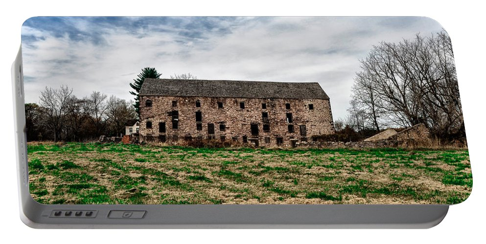 Pawlings Portable Battery Charger featuring the photograph Pawlings Farm Big Barn by Bill Cannon