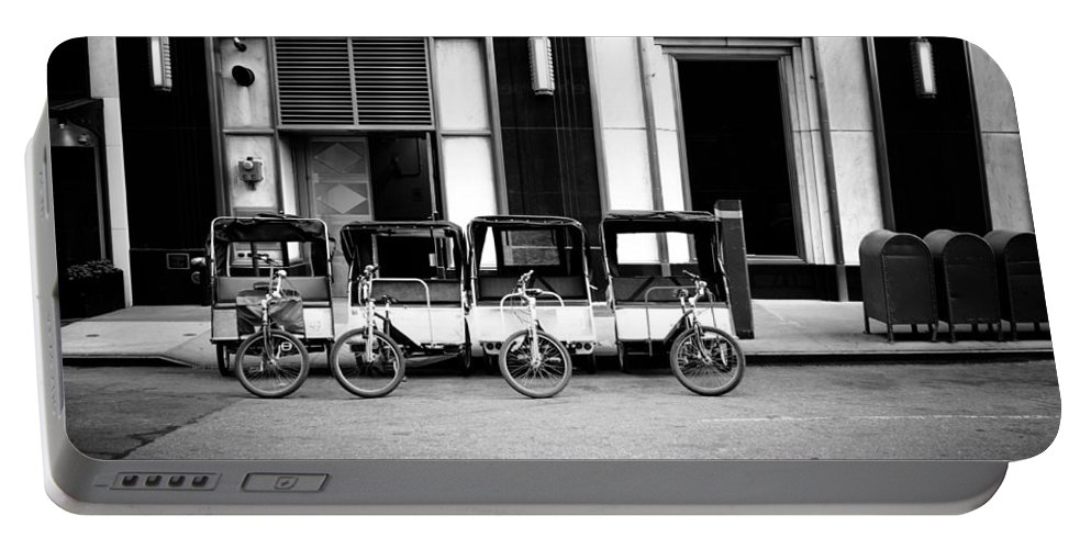New York Portable Battery Charger featuring the photograph Pedicab Nyc by Ferry Zievinger