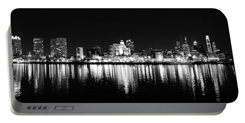 Philadelphia Portable Battery Charger featuring the photograph Philadelphia Skyline Panorama In Black And White by Bill Cannon