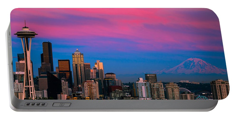 Seattle Portable Battery Charger featuring the photograph Picturesque Seattle by Abhay P