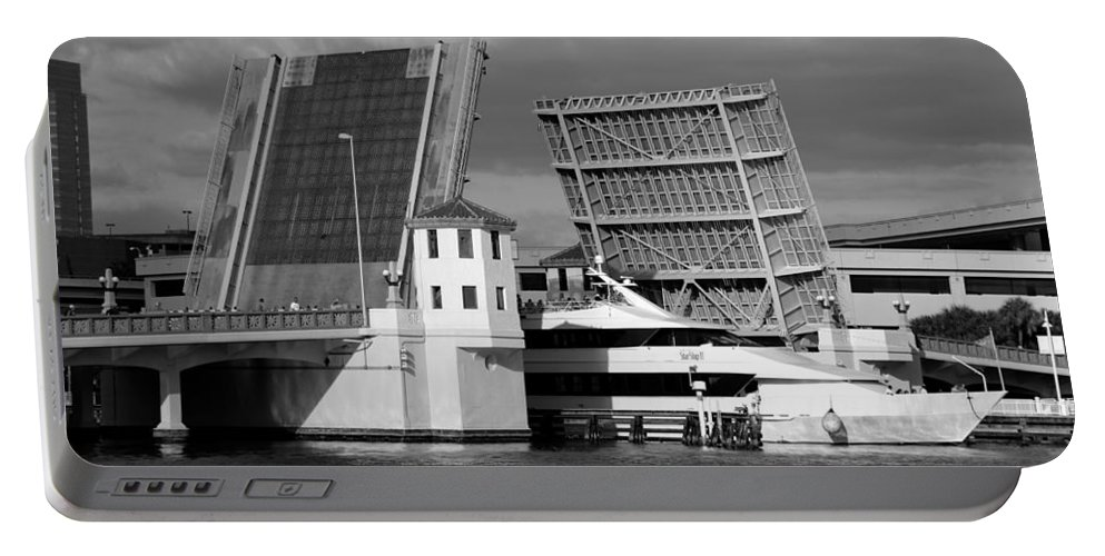 Fine Art Photography Portable Battery Charger featuring the photograph Platt Street Bridge Up by David Lee Thompson