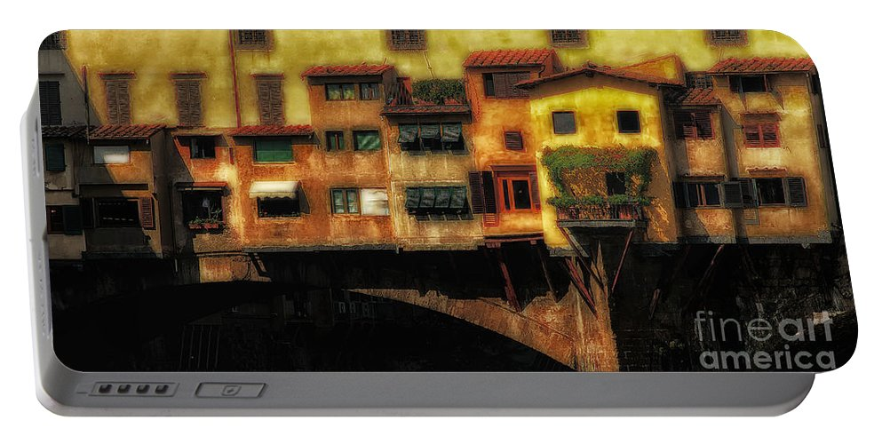 Ponte Vecchio Portable Battery Charger featuring the photograph Ponte Vecchio Firenze by Mike Nellums