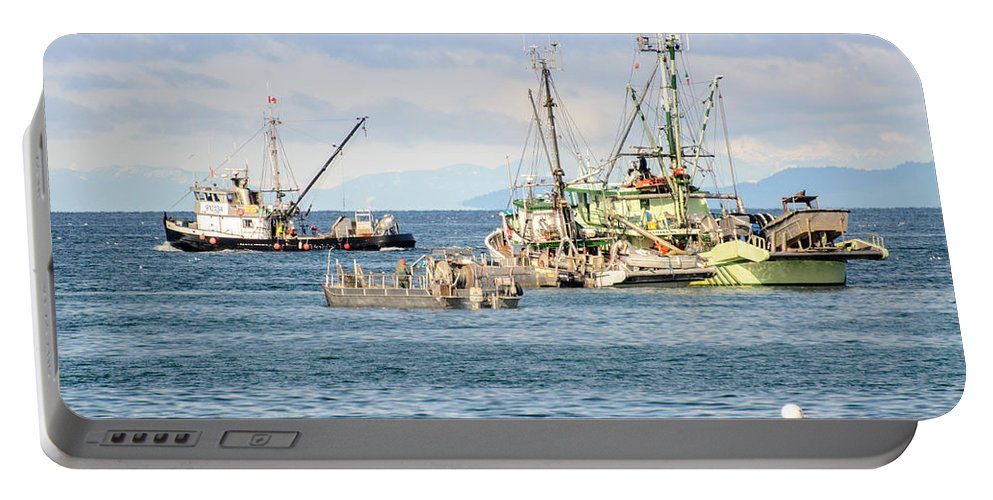 Seagulls Portable Battery Charger featuring the photograph Prepared For Action by Roxy Hurtubise