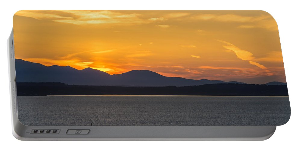 Seattle Portable Battery Charger featuring the photograph Puget Sound Evening Tug by Mike Reid