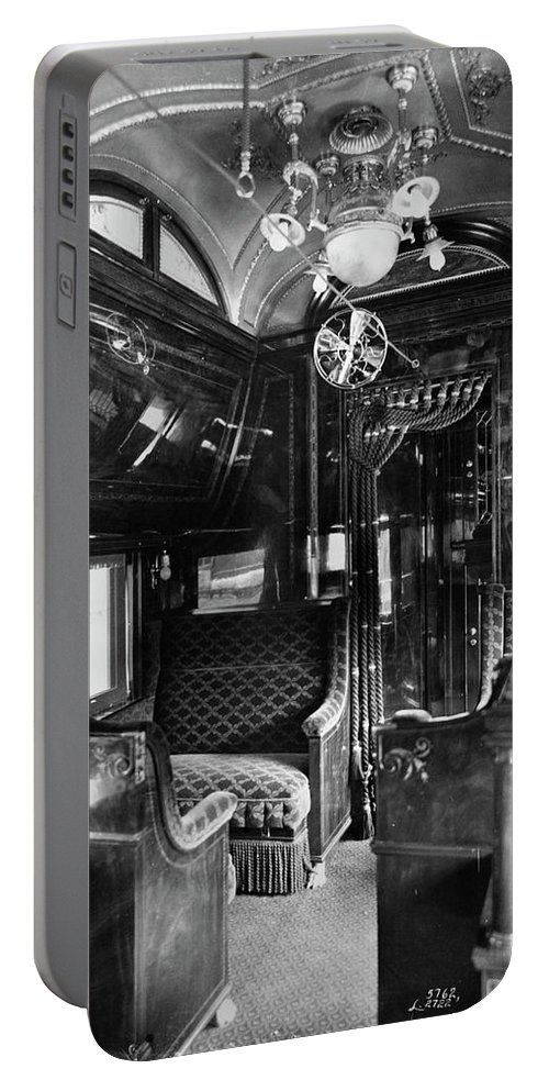 1901 Portable Battery Charger featuring the photograph Pullman Car El Fleda by Granger