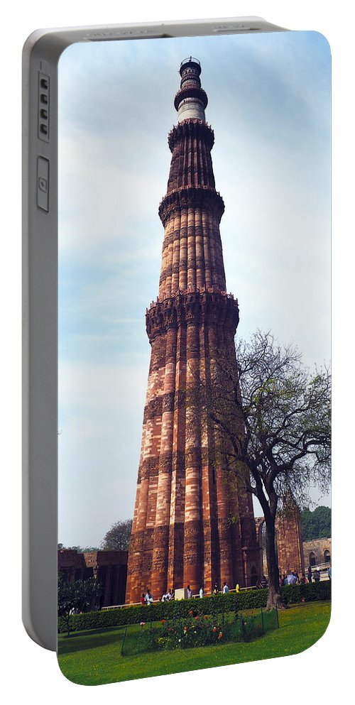 Qutb Portable Battery Charger featuring the photograph Qutb Minar by C H Apperson