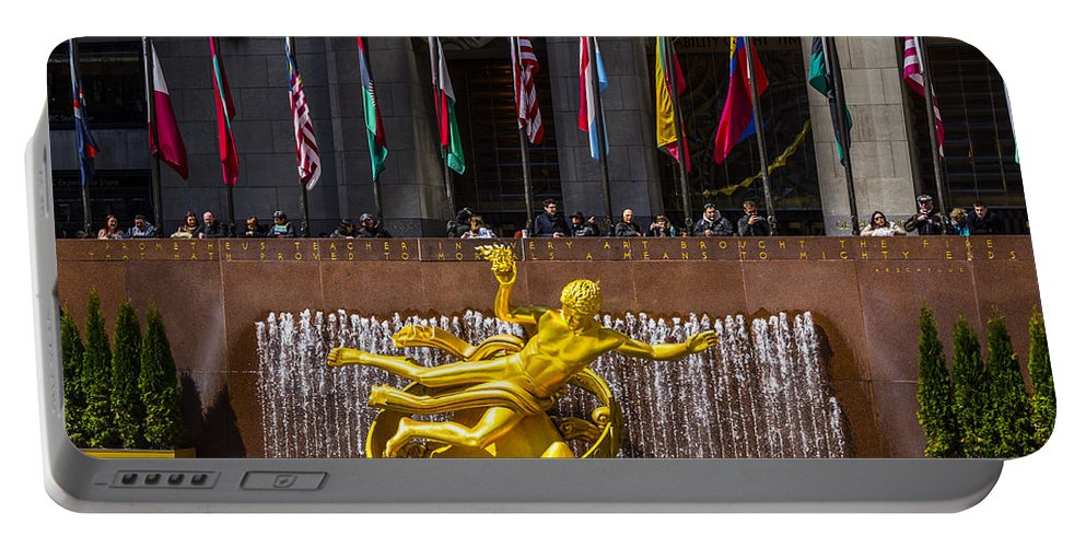 New York City Portable Battery Charger featuring the photograph Reach by Angus Hooper Iii