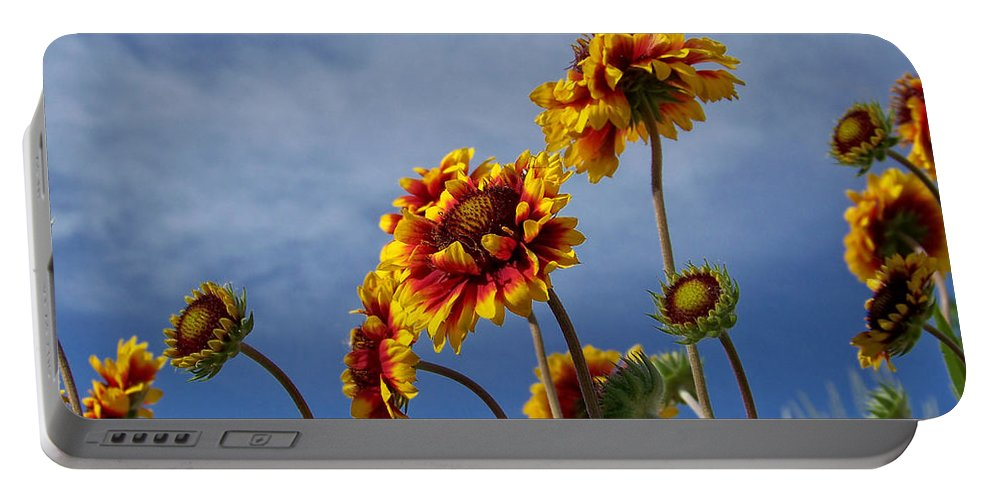 Flora Portable Battery Charger featuring the photograph Reaching For The Sky by Ernie Echols