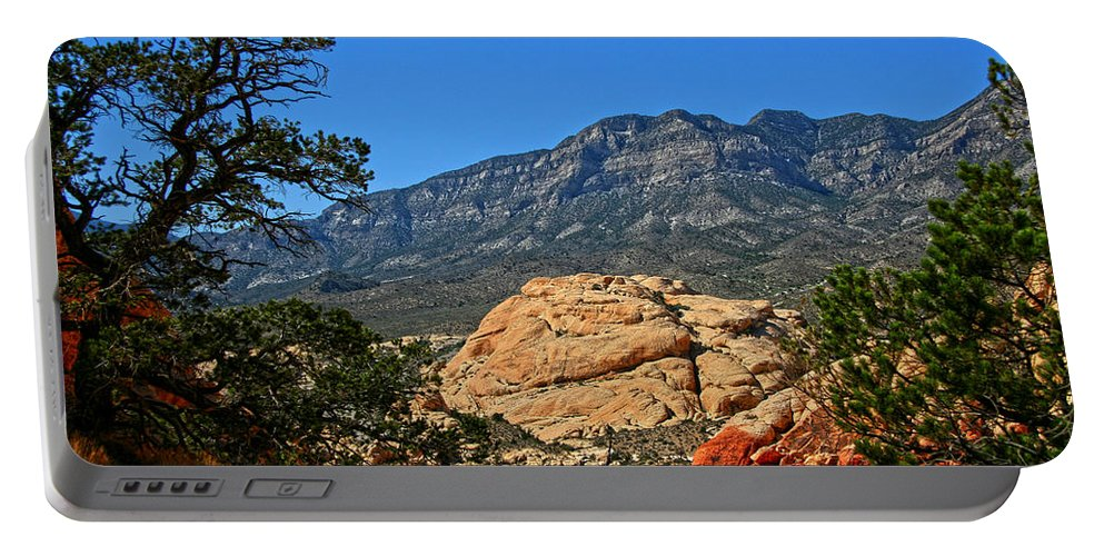 Red Rock Canyon Portable Battery Charger featuring the photograph Red Rock Canyon 4 by Chris Brannen