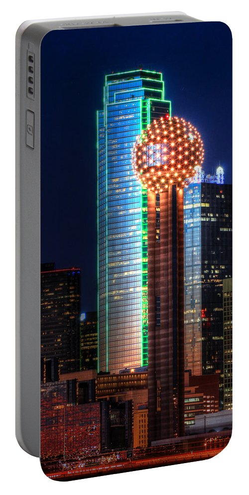 Reunion Tower Portable Battery Charger featuring the photograph Reunion Tower by Jonathan Davison
