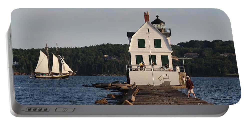Lighthouse Portable Battery Charger featuring the photograph Rockland Breakwater Light 8986 by Joseph Marquis