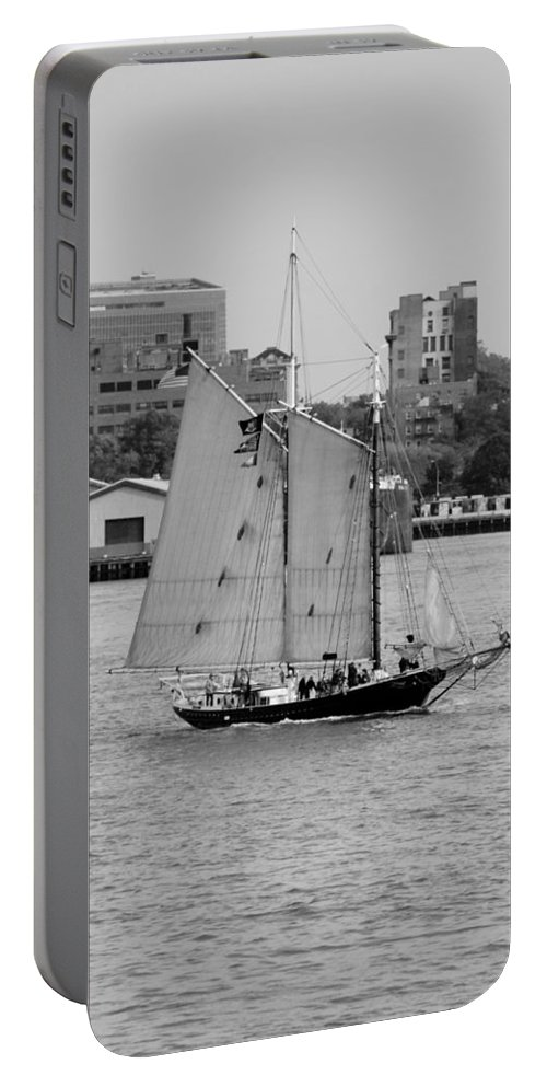 New York Portable Battery Charger featuring the photograph Sailing Free In Black And White by Rob Hans