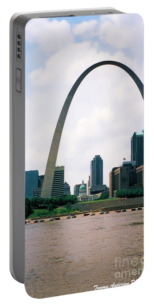 Gateway Arch Portable Battery Charger featuring the photograph Saint Louis Arch by Tommy Anderson