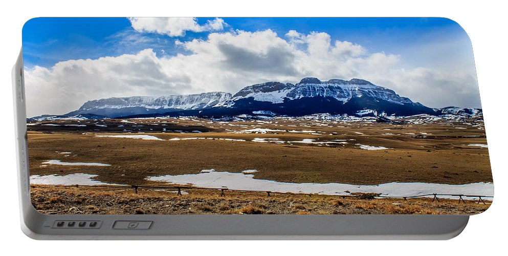 Landscape Portable Battery Charger featuring the photograph Sawtooth Ridge by John Lee
