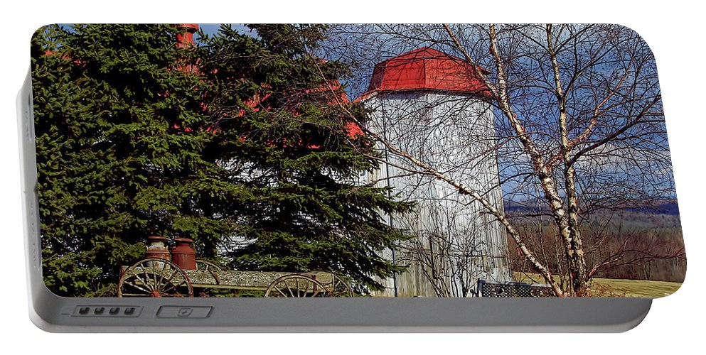 Vermont Portable Battery Charger featuring the photograph Scene In Vermont by Deborah Benoit