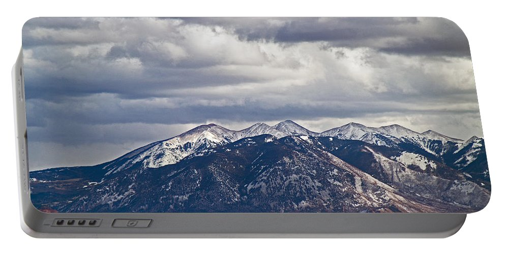 Mountains Portable Battery Charger featuring the photograph Scenic Moutains by David Campbell
