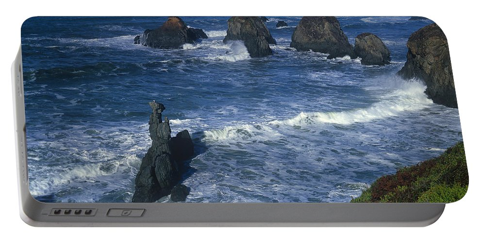 Dave Welling Portable Battery Charger featuring the photograph Sea Stacks Central Coast Near Rockport California by Dave Welling