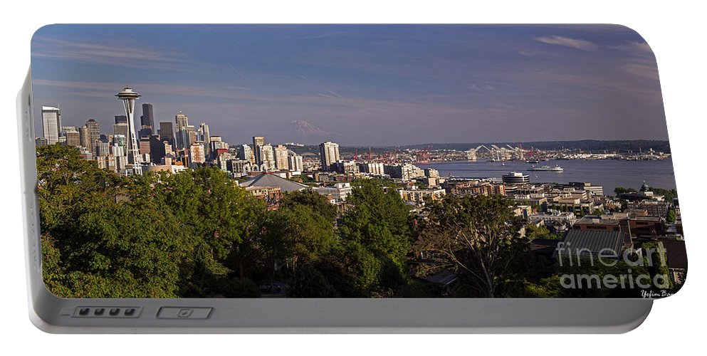 Seattle From Kerry Park Portable Battery Charger featuring the photograph Seattle From Kerry Park by Yefim Bam