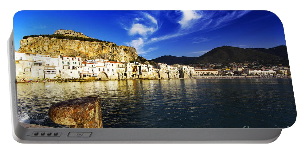 Sightseing Portable Battery Charger featuring the photograph Sightseing by Stefano Senise