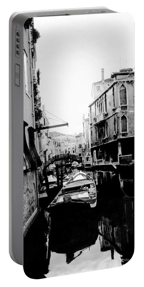 Venice Portable Battery Charger featuring the photograph Silenzio Venice Italy by Heike Hellmann-Brown