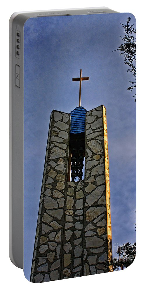 Southern California Portable Battery Charger featuring the photograph Southern California's Wafarers Chapel 1 by Tommy Anderson