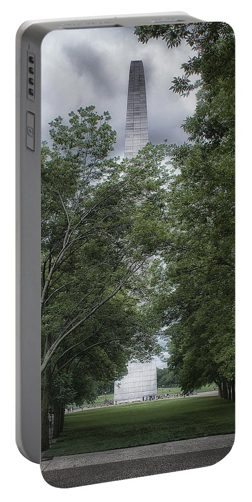 Missouri Portable Battery Charger featuring the photograph St Louis Arch by Lynn Geoffroy