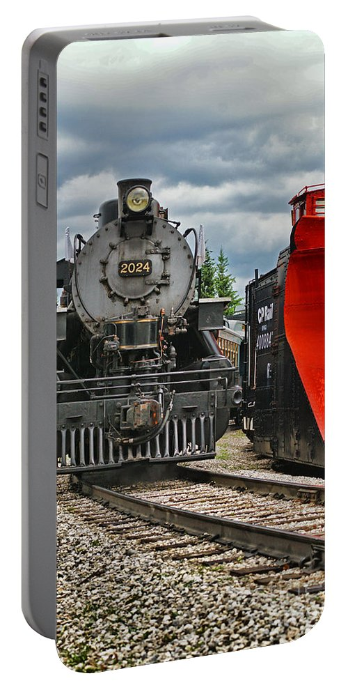 Trains Portable Battery Charger featuring the photograph Steam Train Tr3637-13 by Randy Harris