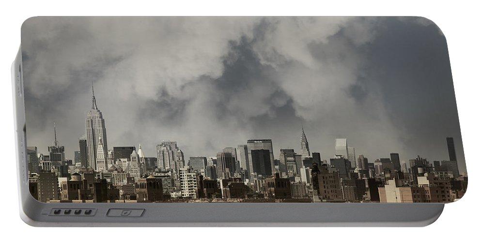 Brooklyn Bridge Portable Battery Charger featuring the photograph Steel City by Istvan Kadar