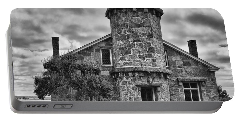Buildings Portable Battery Charger featuring the photograph Stonington Lighthouse 15328b by Guy Whiteley