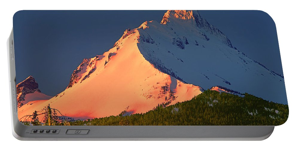 Sunrise Portable Battery Charger featuring the photograph 1m5306-sunrise On Mt. Washington by Ed Cooper Photography