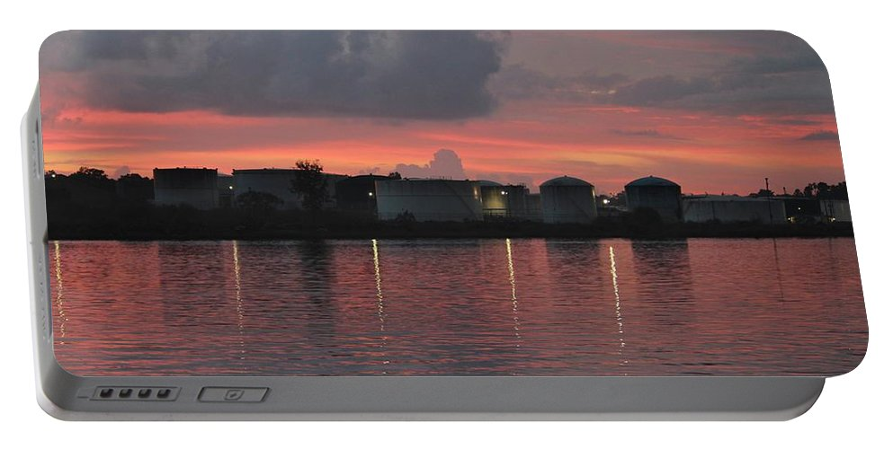 Wilmington Portable Battery Charger featuring the photograph Sunrise Over Cape Fear River by Cynthia Guinn