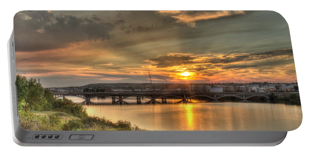 Great Falls Portable Battery Charger featuring the photograph Sunset Over The Great Falls by John Lee