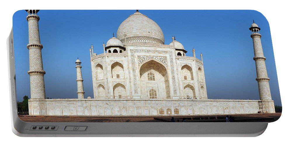 Taj Portable Battery Charger featuring the photograph Taj Mahal 5 by C H Apperson