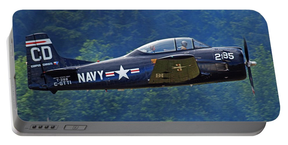 Plane Portable Battery Charger featuring the photograph Taking Off by Randy Hall