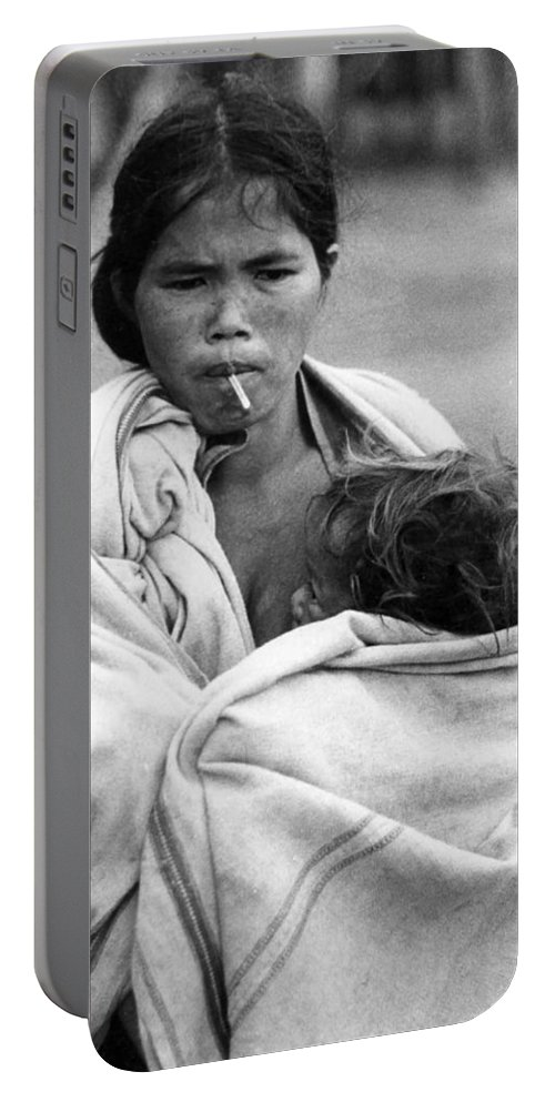 Montagnard Portable Battery Charger featuring the photograph Temperature by Norman Johnson